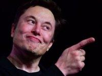 Elon Musk, Twitter'daki 31 milyon takipçisine 'Facebook'u silin, devri bitti' dedi