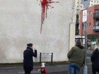 Banksy, Sevgililer Günü'nü pas geçmedi