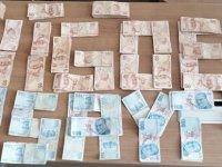 Otomobil satıcısının arkadaşları, alıcının parasını çaldı