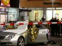 Almanya'da İki Kafeye Silahlı Saldırı: 11 Ölü