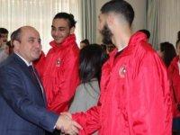 İngiltere'de yaşayan Türk gençler, KKTC'de ziyaretlerde bulundu