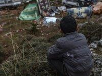 BM: Suriye'de çaresiz siviller ısınmak için giysilerini yakıyor