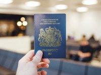 İngiltere'ye yeni mavi pasaport geliyor