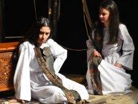 Girne Belediyesi'nin Tiyatro Günleri etkinlikleri devam ediyor