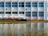Mağusa'da okulun bahçesi göle döndü!