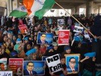 Yeni Delhi'de Vatandaşlık Yasasına Karşı Protestolarda 4 Günde 20 Kişi Öldü
