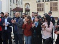 """KTAMS Sağlık Bakanlığı önünde """"hukuksuzluğa, haksızlığa ve adaletsizliğe dur de"""" sloganı ile eylem yaptı"""