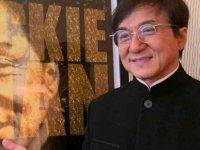 Jackie Chan'den Koronavirüs açıklaması