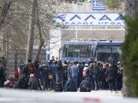 Edirne'den Avrupa'ya açılan Pazarkule Sınır Kapısı, geçişlere kapatıldı