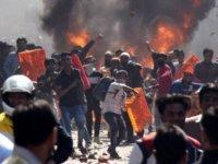 Hindistan'da 'vatandaşlık yasası' çatışmaları: 35 kişi yaşamını yitirdi