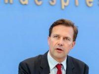 Alman hükümeti: Saldırıyı kınıyoruz