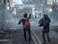 Yunan sınır muhafızlarından göçmenlere: 'Size yalan söylediler, sınırlarımız kapalı, bunu Türk makamlarına söyleyin'