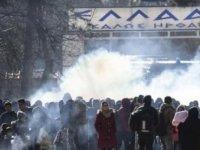 Yunanistan komşu ülkelere sınırlarını açma kararı aldı