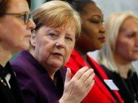 Merkel: Türkiye'nin mülteciler üzerinden AB'ye baskı yapması kabul edilemez