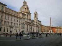 Koronavirüs (Covid-19): Roma'da meydanlar ve restoranlar boş, el jeli ve yüz maskesi zor bulunuyor