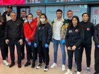 Londra'dan İstanbul'a giden Türkiye Boks Millî Takımı: Karantinaya alınmadık