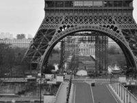 Fransa Başbakanı Philippe:Ülke genelinde tamamen sokağa çıkma yasağı getirmek istemiyoruz
