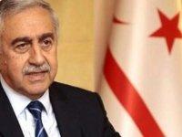Cumhrubaşkanı Mustafa Akıncı'nın Yardım Talebi Rum Basınında