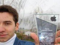 Siri'nin açığını bulan 17 yaşındaki lise öğrencisi 3 bin dolar ödül kazandı