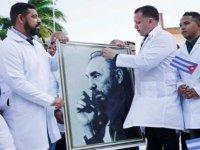 Kübalı doktorlar: İhtiyaç olduğu sürece buradayız