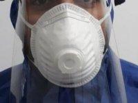DAÜ şeffaf yüz maskesi üretti