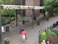 New York'taki hastanede, sosyal mesafe kuralını ihlal etti diye yumruk atılan yaşlı kadın hayatını kaybetti