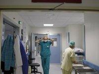 İÜ Tıp Fakültesi Dekanı: İnternler erken mezun edilmeli