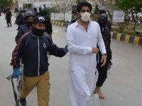 Pakistan 'da doktor ve sağlık çalışanları gözaltına alındı