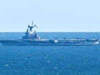 Fransa'nın en büyük uçak gemisi Charles de Gaulle, mürettebatta koronavirüs görülmesi üzerine ülkeye geri dönüyor