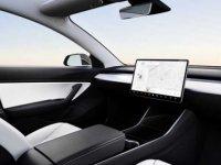 Elon Musk, Robotaxi projesi için yasal izinleri bekliyor