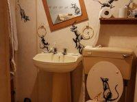 Banksy son eserini evinde yaptı: Banyodaki sıçanlar
