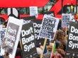 Suriye saldırısı İngiltere genelinde protesto edildi
