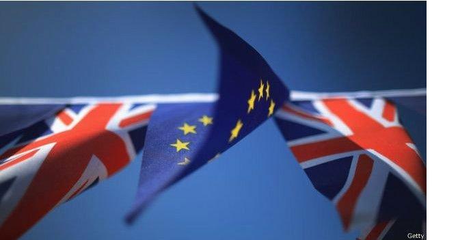 160527044106_uk__eu_flags_getty_624x351_getty-001.jpg
