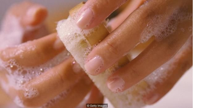 160623110523_finger_nails_washing.jpg