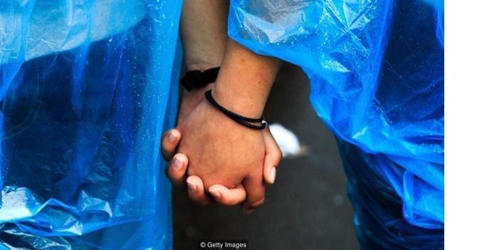 160623154001_lgbt_gay_couple_hands.jpg