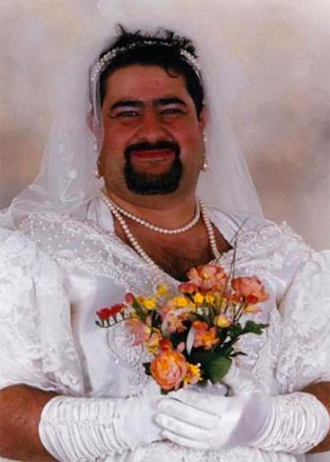7-yillik-evli-oldugu-kocasini-acik-artirma-713441_73_7_b.jpg