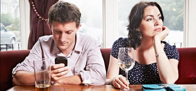 phoneaddiction-700x325.jpg