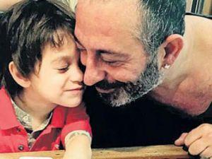 Cem Yılmaz'ın oğluyla paylaştığı video sosyal medyayı salladı..