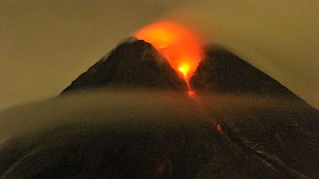 684658-indonesia-volcano[1]