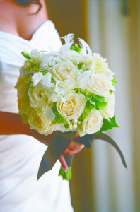 wedding-white-roses-bouquet